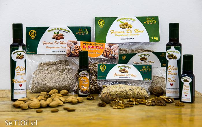 Ecommerce Se.Ti.oil srl - Ci presentiamo come azienda che produce e commercializza olio da semi e frutti oleosi con spremitura a freddo.